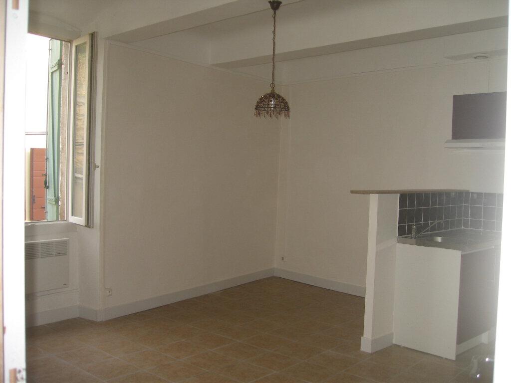 Appartement à louer 1 25.26m2 à Saint-Chamas vignette-1