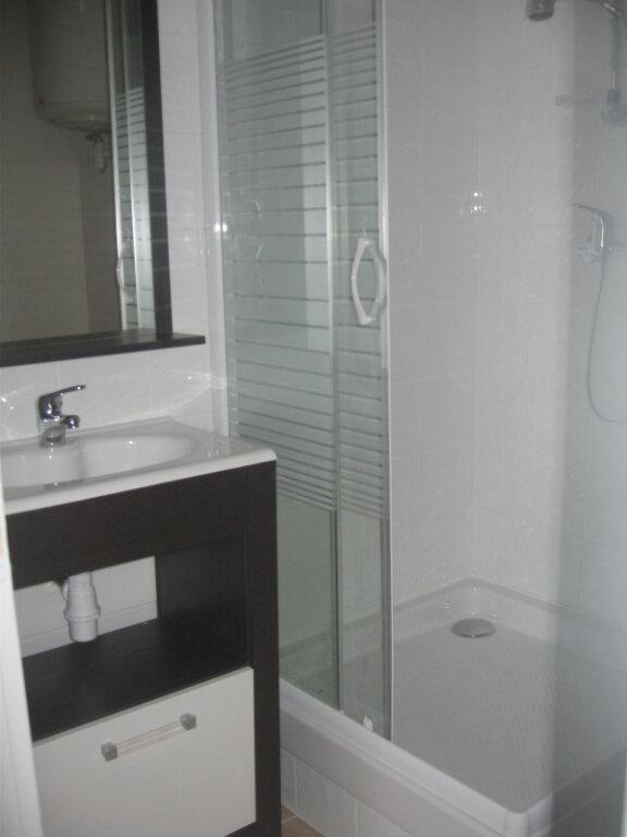 Appartement à louer 1 25.26m2 à Saint-Chamas vignette-3