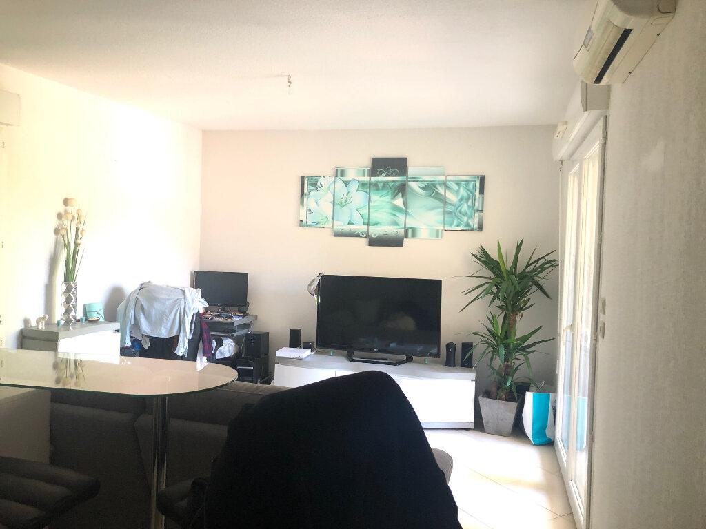 Appartement à louer 2 37.1m2 à Saint-Chamas vignette-3