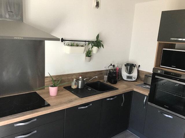 Appartement à louer 4 91.41m2 à Saint-Martin-de-Crau vignette-1
