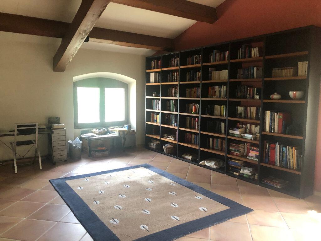 Maison à louer 5 293.55m2 à Saint-Chamas vignette-5
