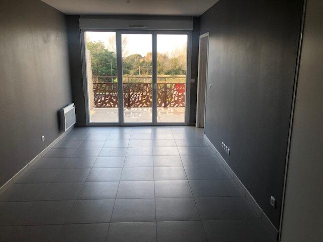 Appartement à louer 2 37.86m2 à Istres vignette-1