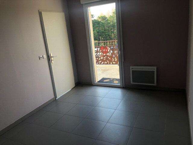 Appartement à louer 2 37.86m2 à Istres vignette-3