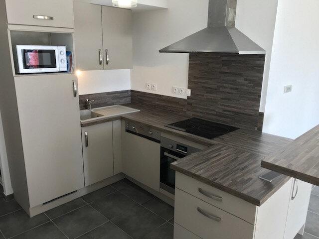 Appartement à louer 2 50.99m2 à Saint-Martin-de-Crau vignette-2