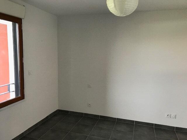 Appartement à louer 2 50.99m2 à Saint-Martin-de-Crau vignette-4