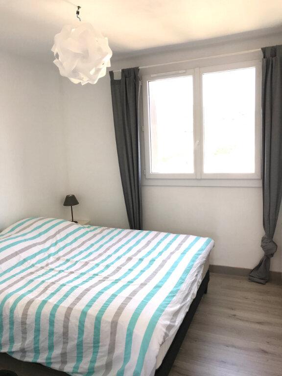 Appartement à louer 3 66.79m2 à Saint-Chamas vignette-5