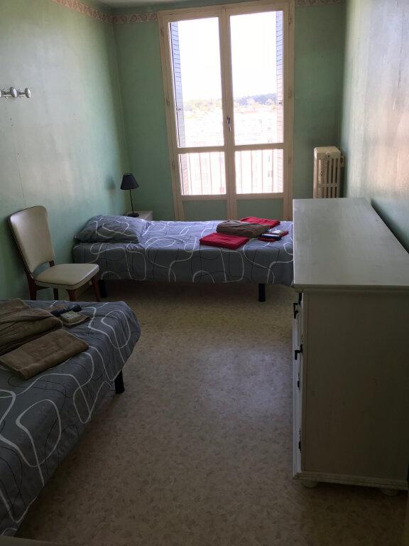 Appartement à louer 4 85.1m2 à Miramas vignette-5