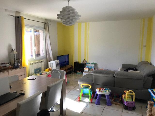 Maison à louer 4 95.47m2 à Saint-Martin-de-Crau vignette-2