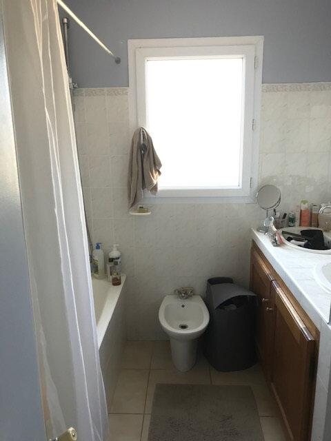 Maison à louer 4 95.47m2 à Saint-Martin-de-Crau vignette-5