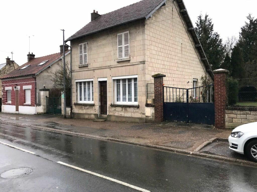 Maison à vendre 5 101m2 à Carlepont vignette-3