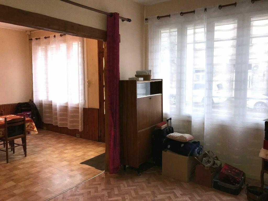 Maison à vendre 5 101m2 à Carlepont vignette-5
