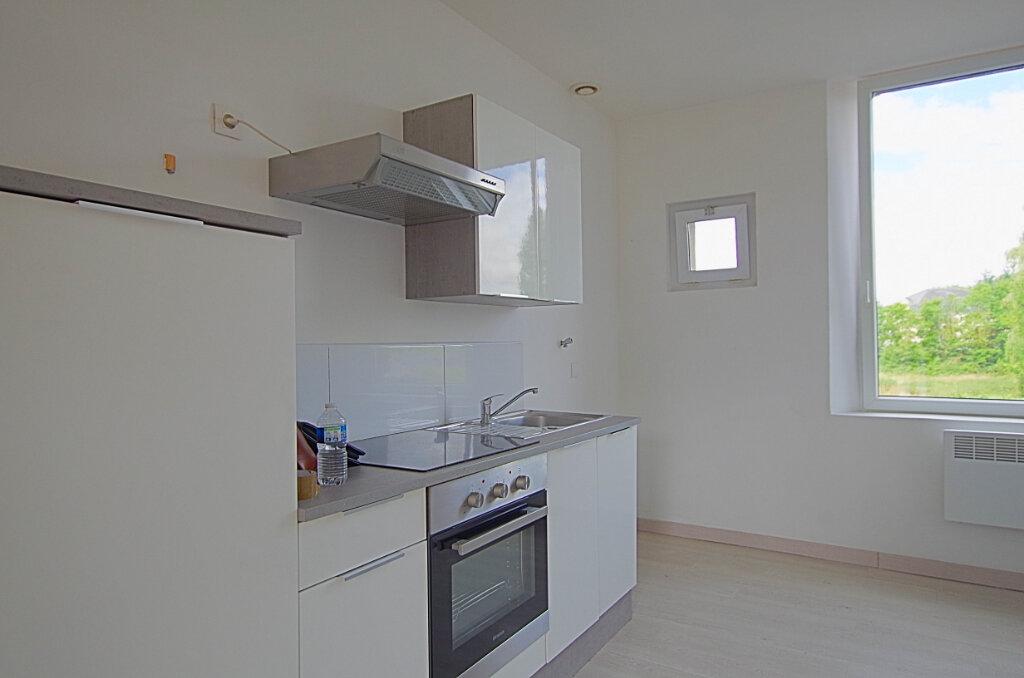 Appartement à louer 3 42.9m2 à Roye vignette-11