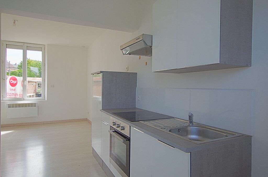 Appartement à louer 3 42.9m2 à Roye vignette-12