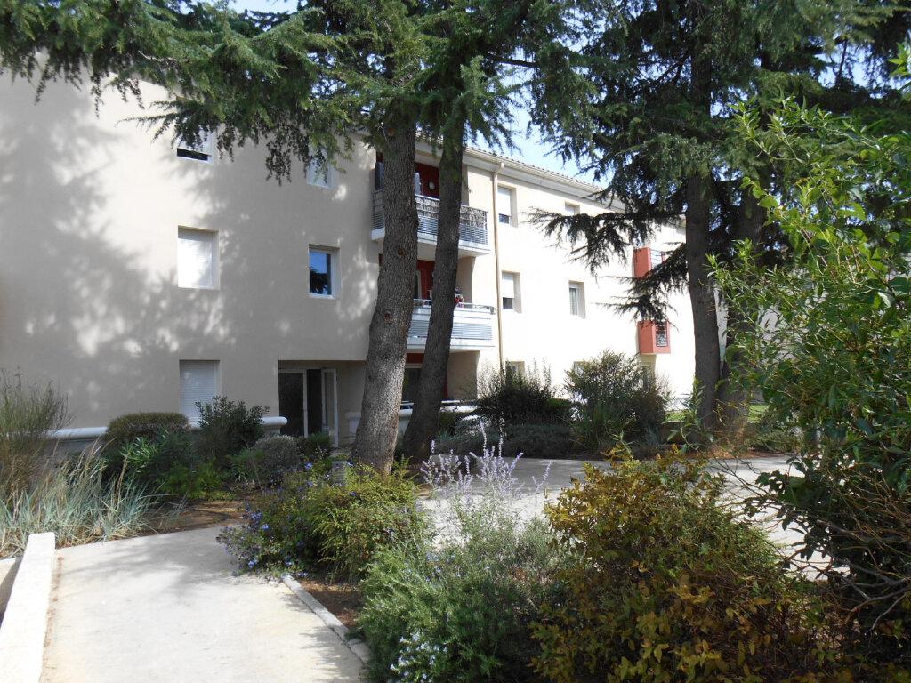 Appartement à louer 3 65m2 à Caissargues vignette-6