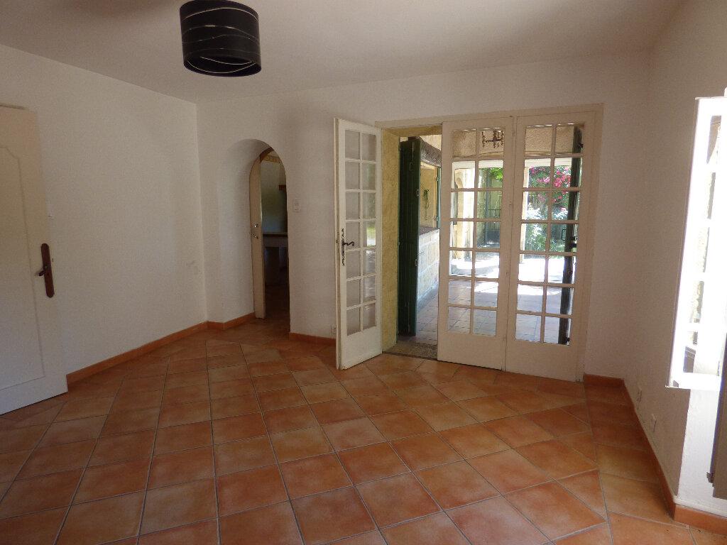 Appartement à louer 2 67m2 à Sernhac vignette-4