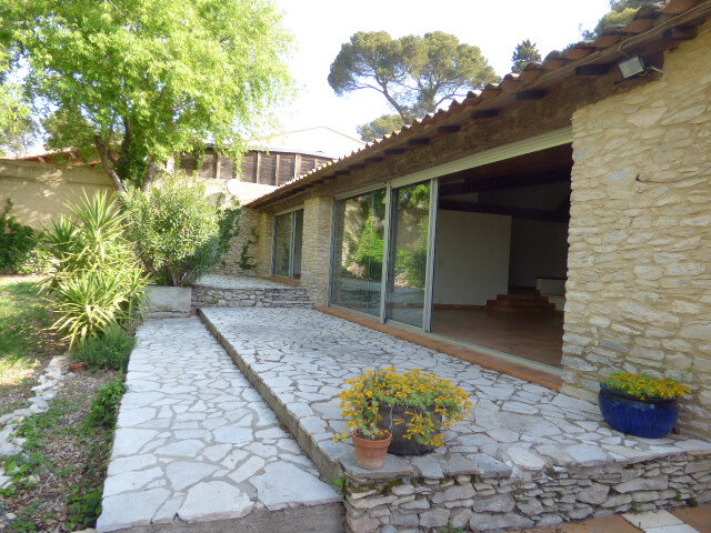 Maison à louer 6 210m2 à Cabrières vignette-2