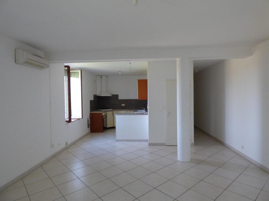 Appartement à louer 4 87m2 à Saint-Gilles vignette-2