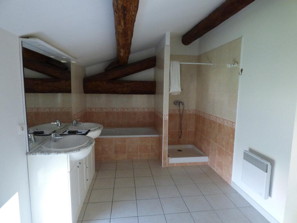 Appartement à louer 4 87m2 à Saint-Gilles vignette-4