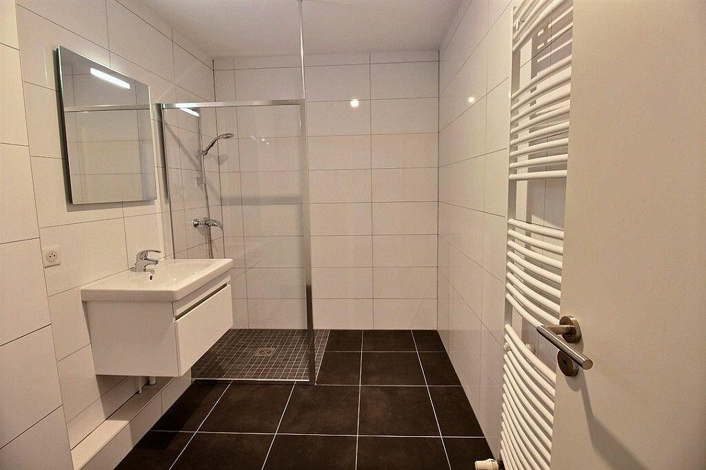 Appartement à louer 2 72m2 à Colmar vignette-4