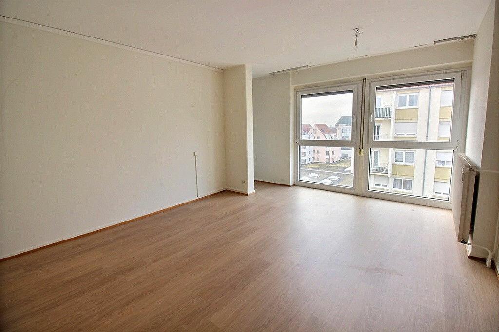 Appartement à louer 3 60m2 à Colmar vignette-1