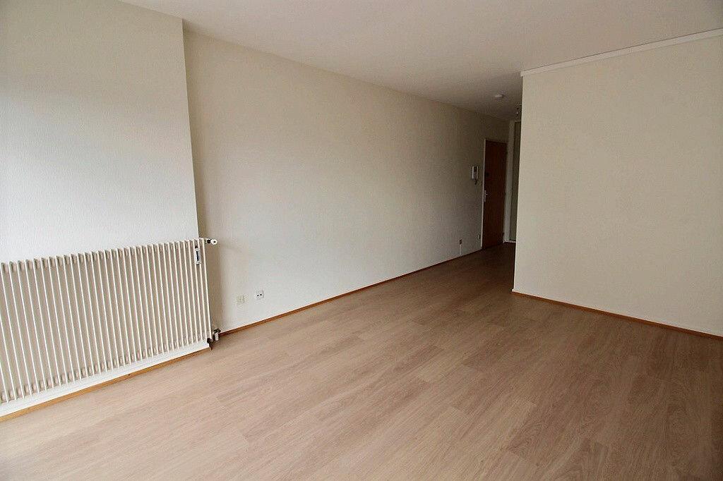 Appartement à louer 3 60m2 à Colmar vignette-2