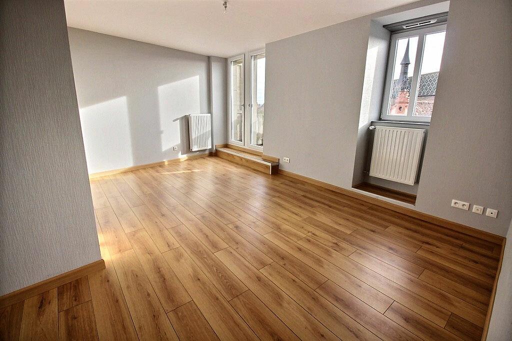 Appartement à louer 3 85m2 à Colmar vignette-1