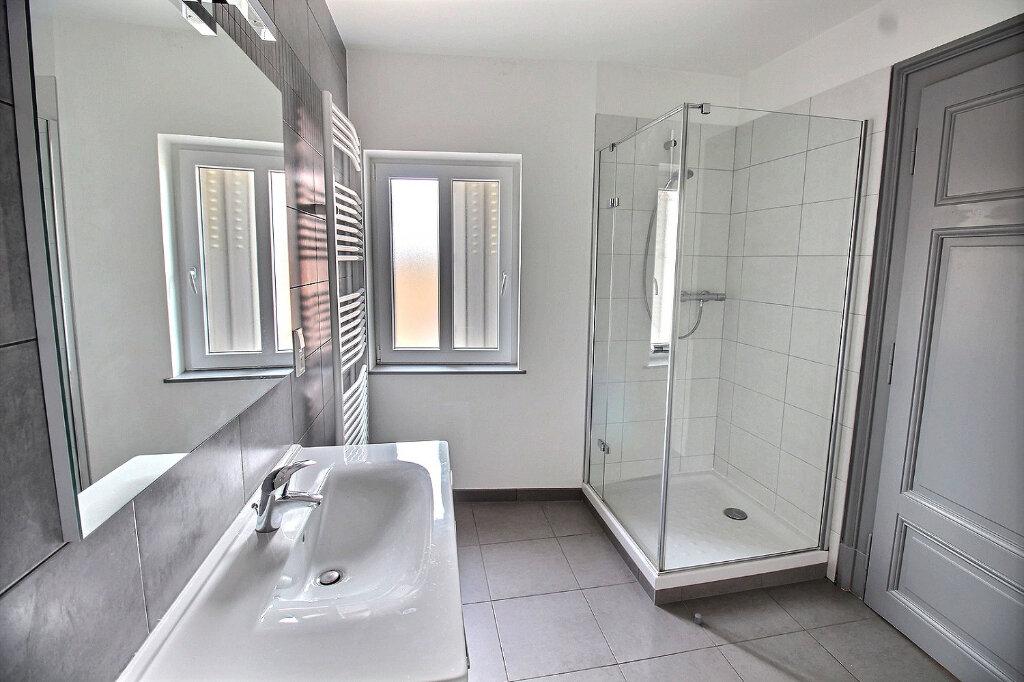 Appartement à louer 3 85m2 à Colmar vignette-4