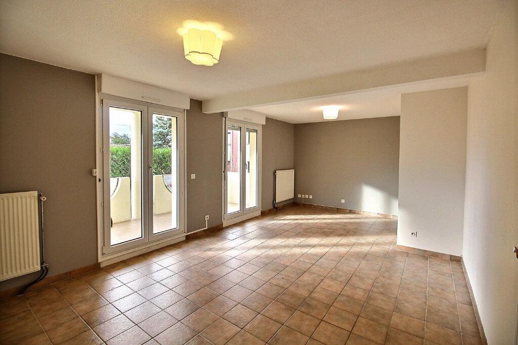 Appartement à louer 2 62m2 à Colmar vignette-1