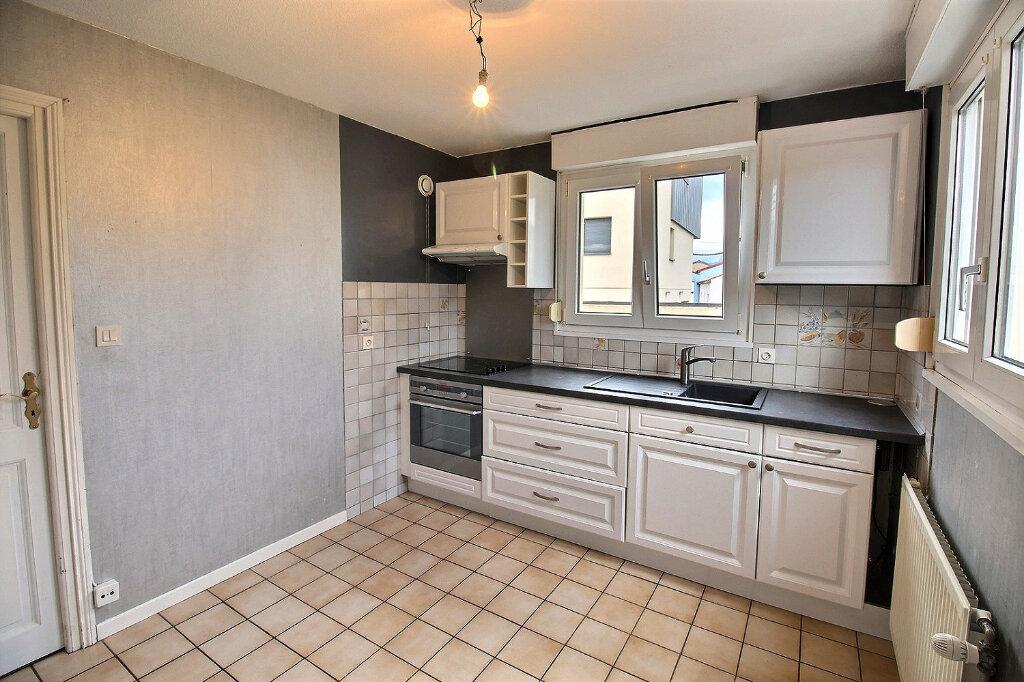 Appartement à louer 2 62m2 à Colmar vignette-3
