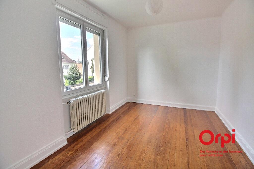 Appartement à louer 3 87m2 à Colmar vignette-2