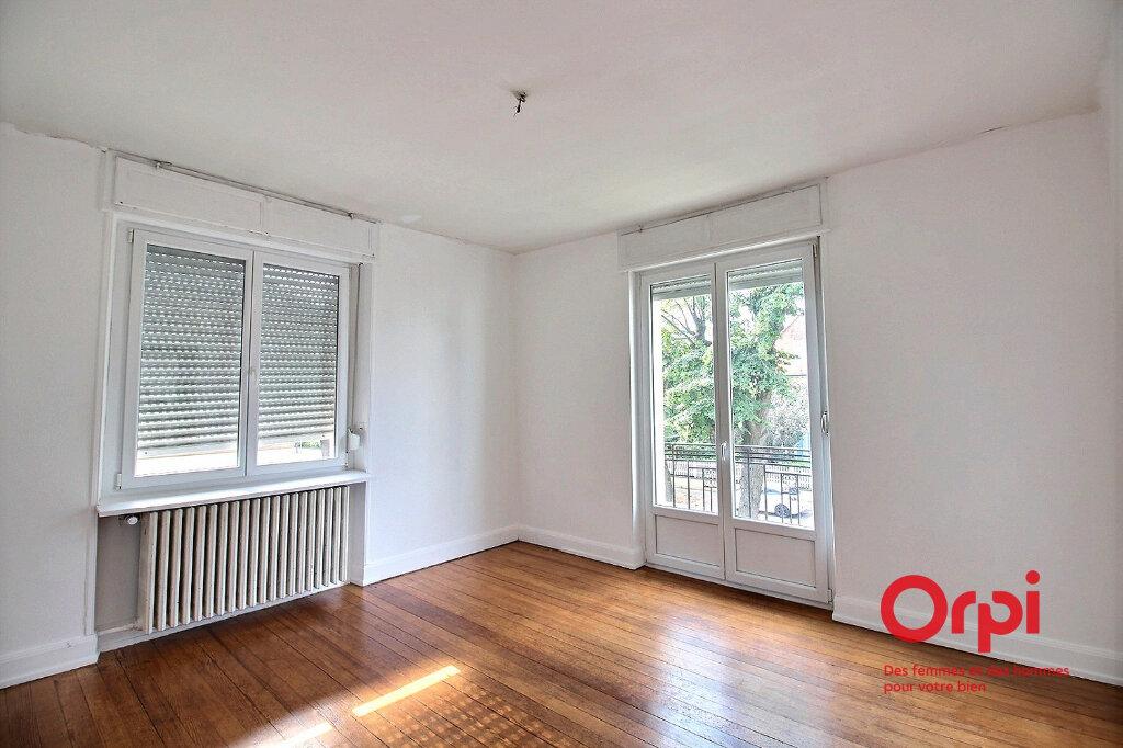 Appartement à louer 3 87m2 à Colmar vignette-3