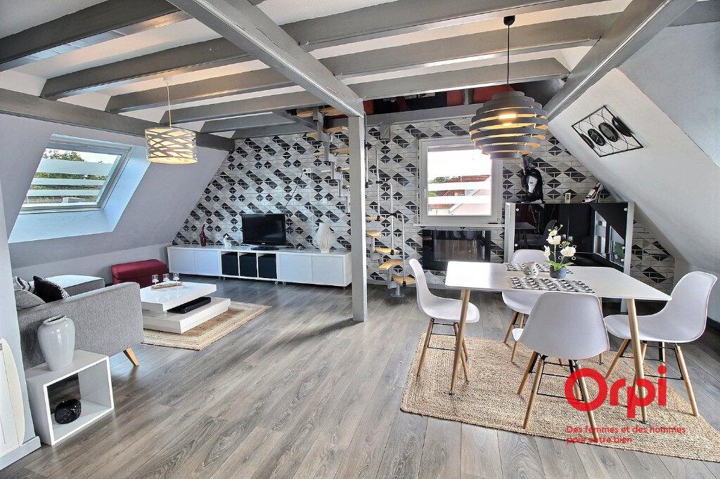 Appartement à louer 2 58m2 à Colmar vignette-1