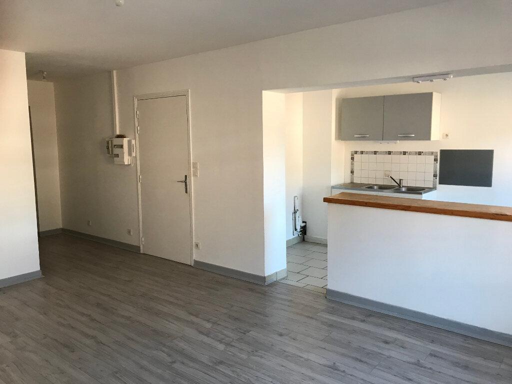 Appartement à louer 3 60m2 à Merville vignette-1