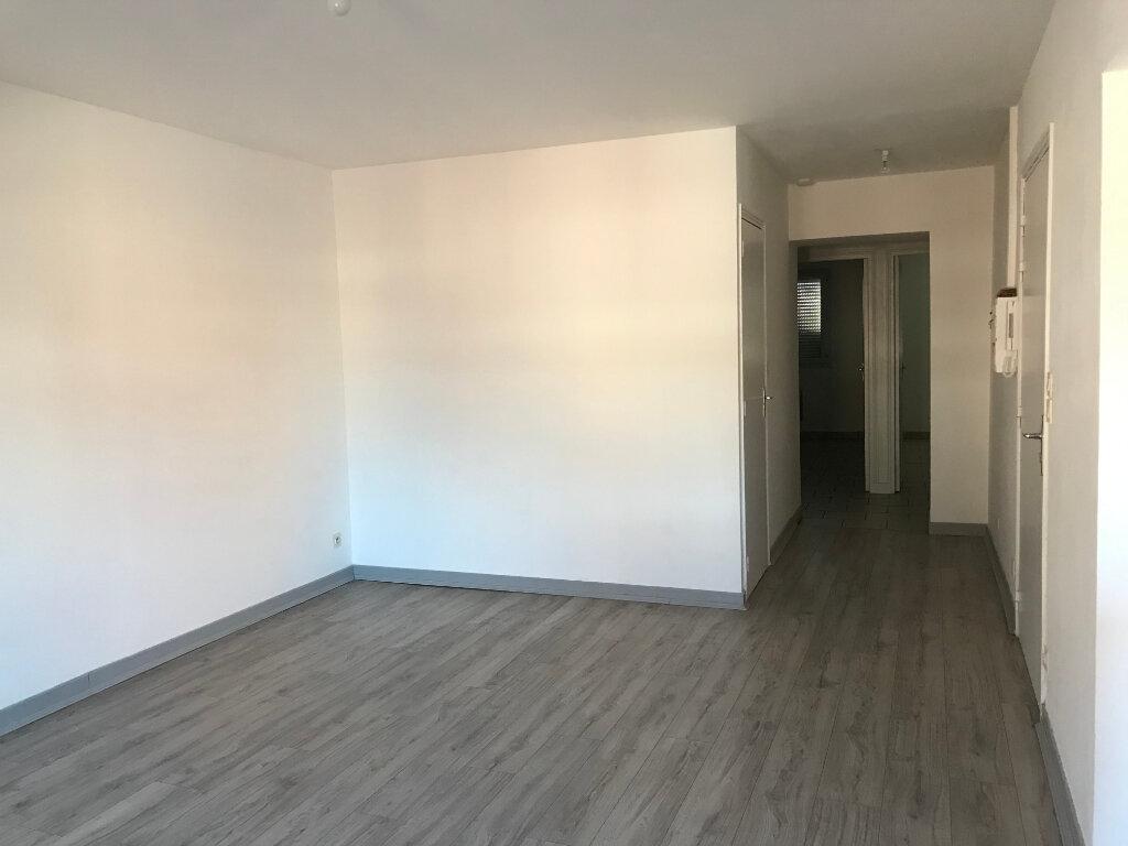 Appartement à louer 3 60m2 à Merville vignette-2