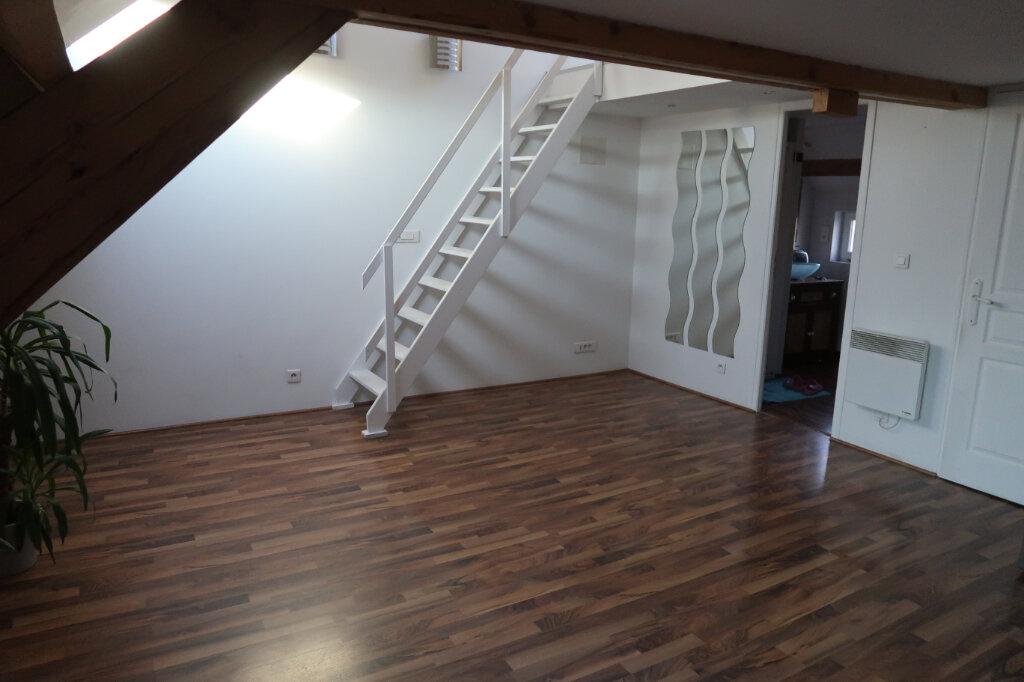 Appartement à louer 3 46m2 à La Bassée vignette-1