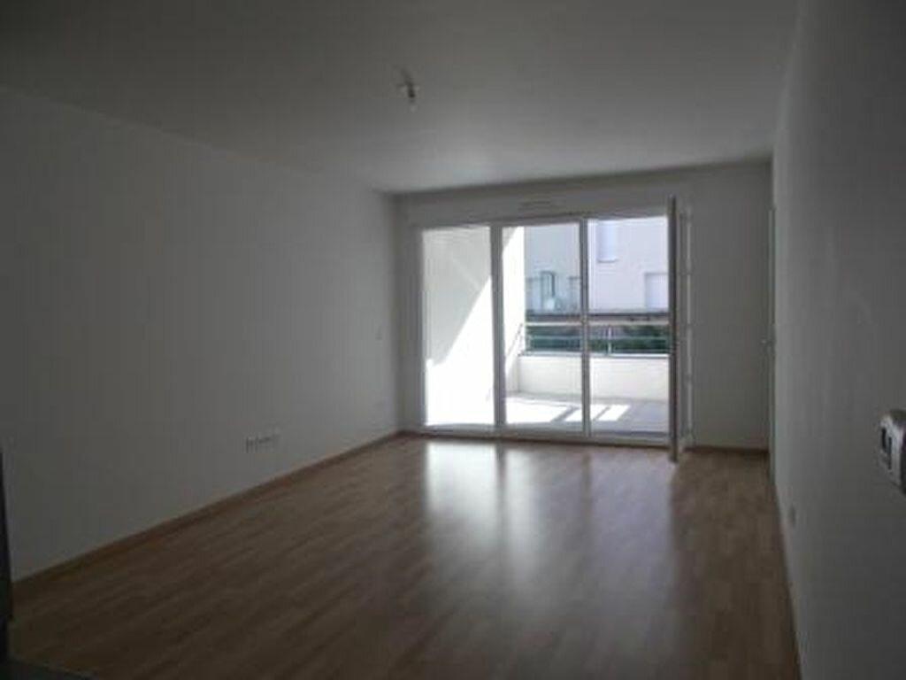 Appartement à louer 2 46.4m2 à Ris-Orangis vignette-2
