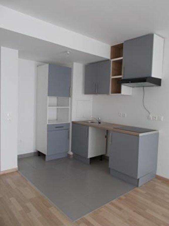 Appartement à louer 2 46.4m2 à Ris-Orangis vignette-3