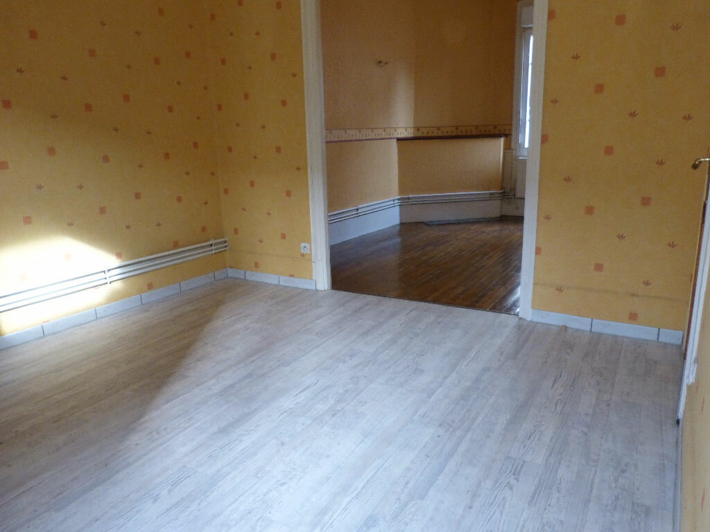 Maison à louer 5 76m2 à Montdidier vignette-2