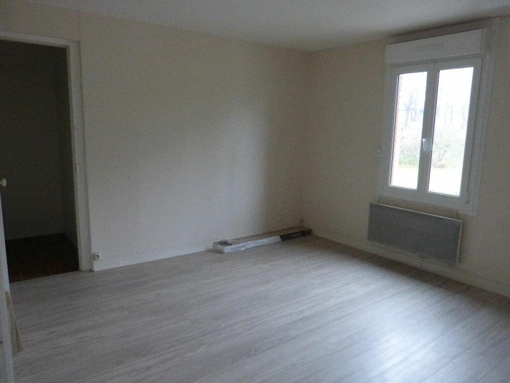 Appartement à louer 1 28m2 à Montdidier vignette-1