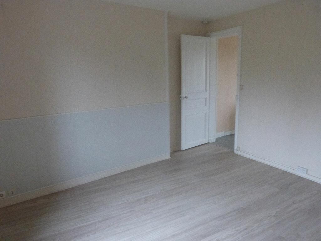 Appartement à louer 1 28m2 à Montdidier vignette-2