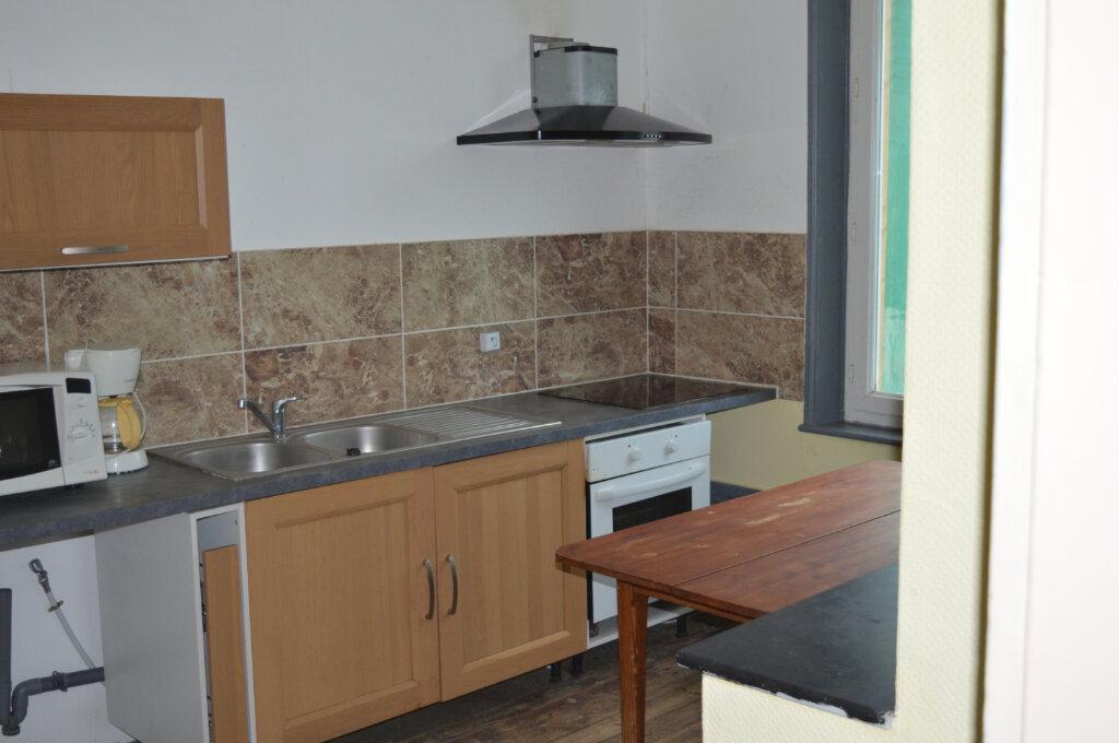 Appartement à louer 4 80m2 à Montdidier vignette-1