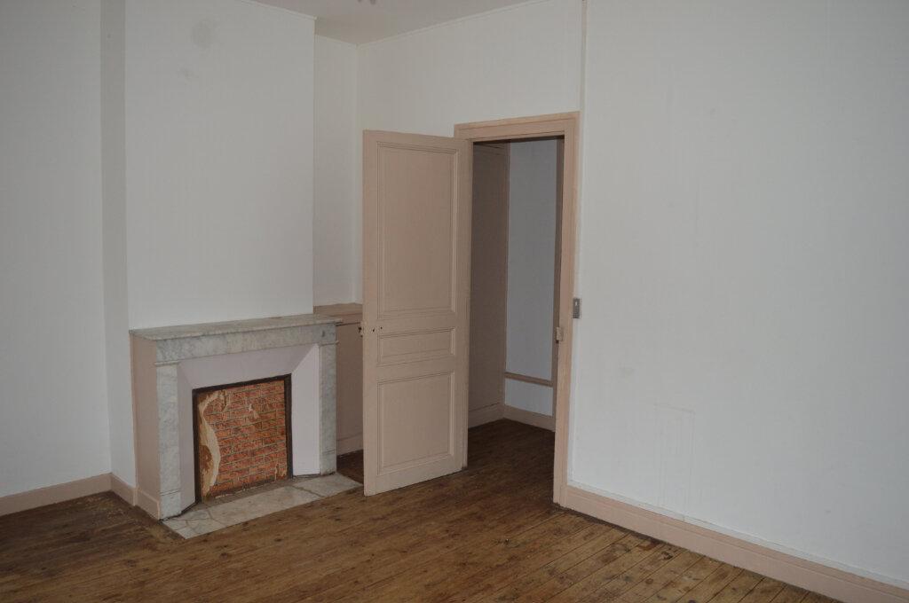 Appartement à louer 4 80m2 à Montdidier vignette-2