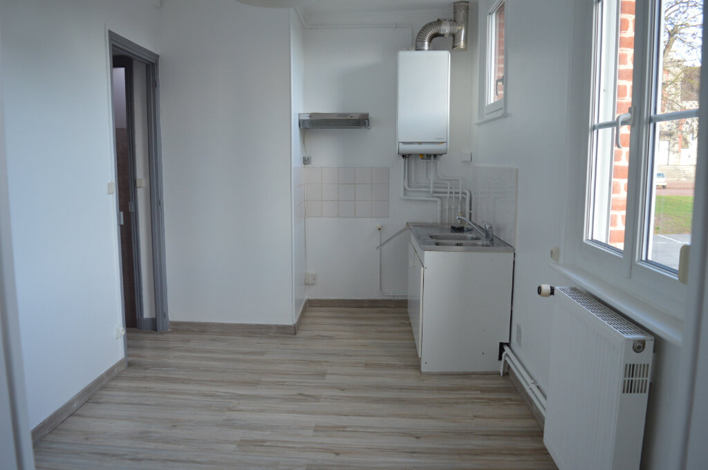 Appartement à louer 3 74m2 à Moreuil vignette-1