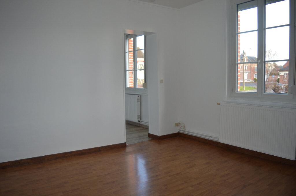 Appartement à louer 3 74m2 à Moreuil vignette-2