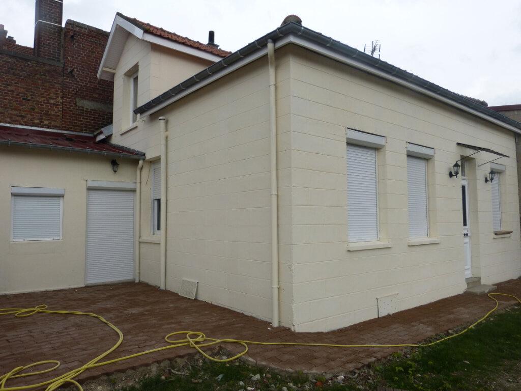 Maison à louer 4 66m2 à Montdidier vignette-1