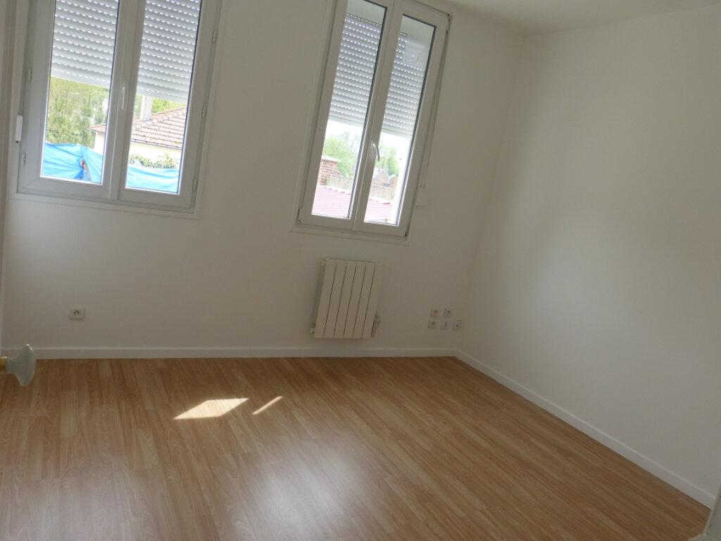 Maison à louer 4 66m2 à Montdidier vignette-3