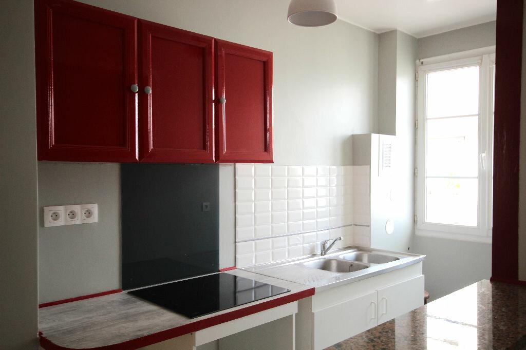 Appartement à louer 2 34.69m2 à Boulogne-Billancourt vignette-1