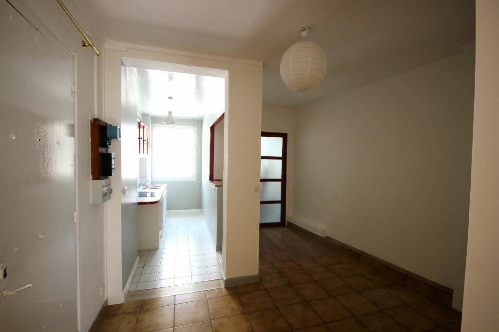 Appartement à louer 2 34.69m2 à Boulogne-Billancourt vignette-2
