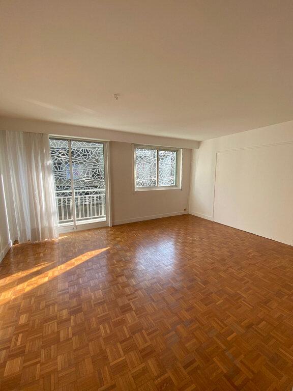 Appartement à louer 3 70.96m2 à Boulogne-Billancourt vignette-1
