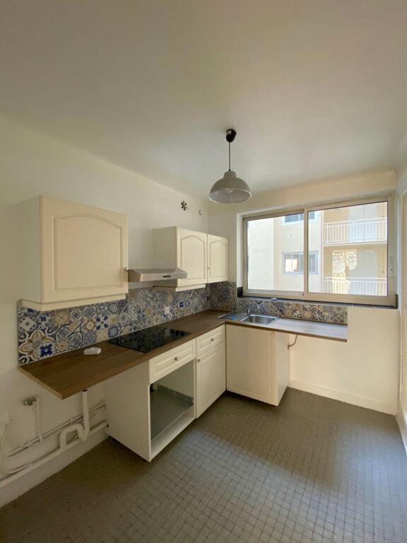 Appartement à louer 3 70.96m2 à Boulogne-Billancourt vignette-3
